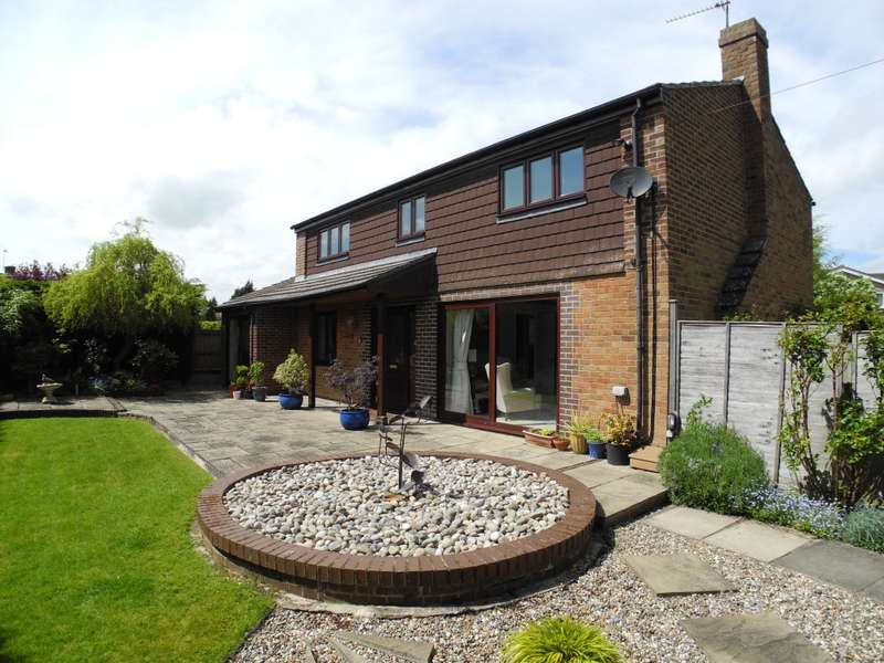 4 Bedrooms Detached House for rent in Sycamore Close, Loddon