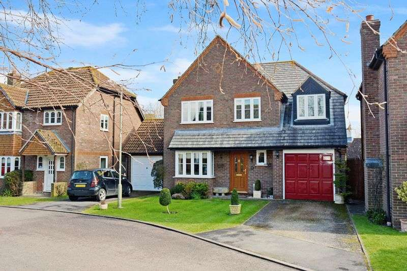 4 Bedrooms Property for sale in Churchward Close, Grove, Wantage