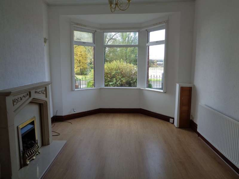 3 Bedrooms Terraced House for rent in Warrington Road, Abram, Wigan WN2