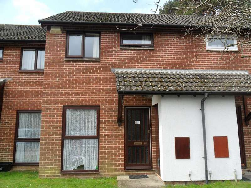 2 Bedrooms Terraced House for rent in Ashley BH25