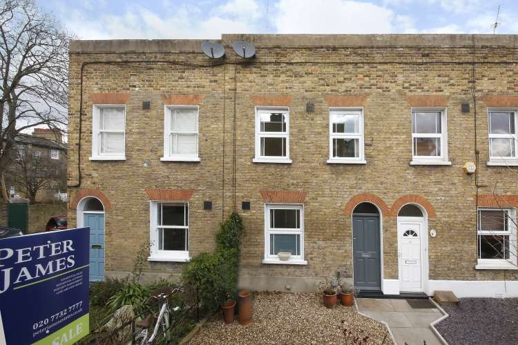 2 Bedrooms Terraced House for sale in Brighton Grove London SE14