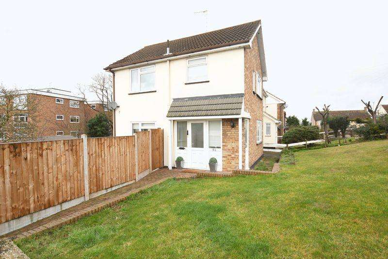 3 Bedrooms Semi Detached House for sale in Love Lane, Rayleigh, Essex