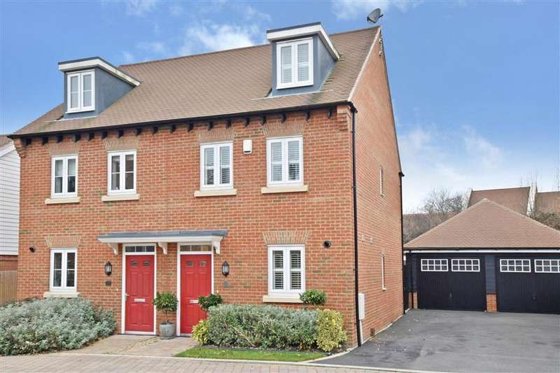 3 Bedrooms Semi Detached House for sale in Wells Croft, Broadbridge Heath, Horsham, West Sussex