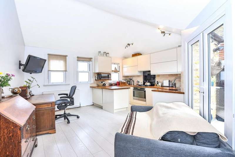 1 Bedroom Flat for sale in Agamemnon Road, West Hampstead