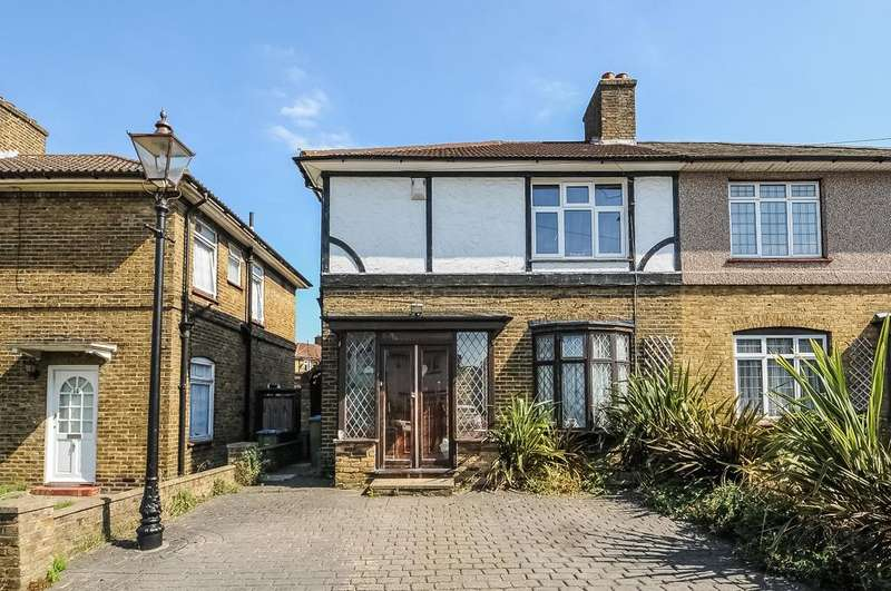 3 Bedrooms Semi Detached House for sale in Mayerne Road Eltham SE9