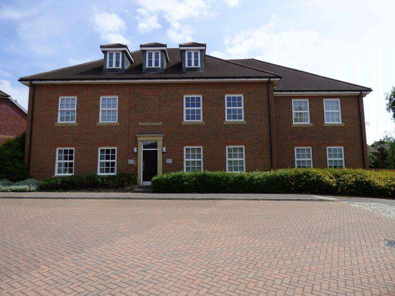 2 Bedrooms Apartment Flat for sale in Ashburnham Drive, Cuckfield