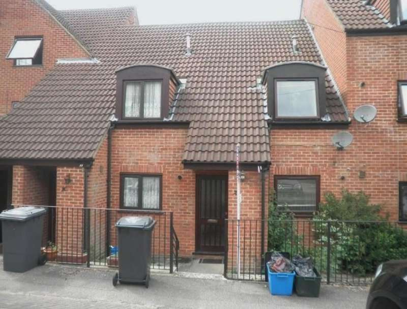 3 Bedrooms Terraced House for sale in Kingfisher Way, Bishop's Stortford