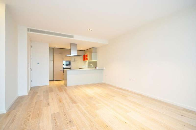 3 Bedrooms Flat for rent in Arthouse, York Way, King's Cross, London, N1C