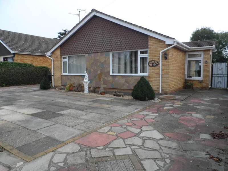 3 Bedrooms Detached Bungalow for sale in Oakleigh Road, Great Clacton