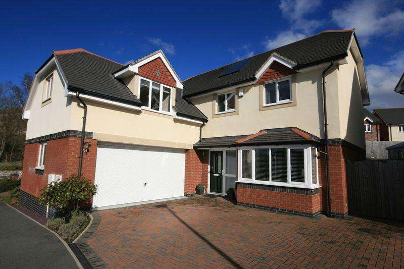 5 Bedrooms Detached House for sale in Gwel Y Castell, Llandudno Junction