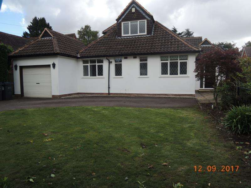 4 Bedrooms Detached Bungalow for rent in Edge Hill Road, Four Oaks, B74 4NU