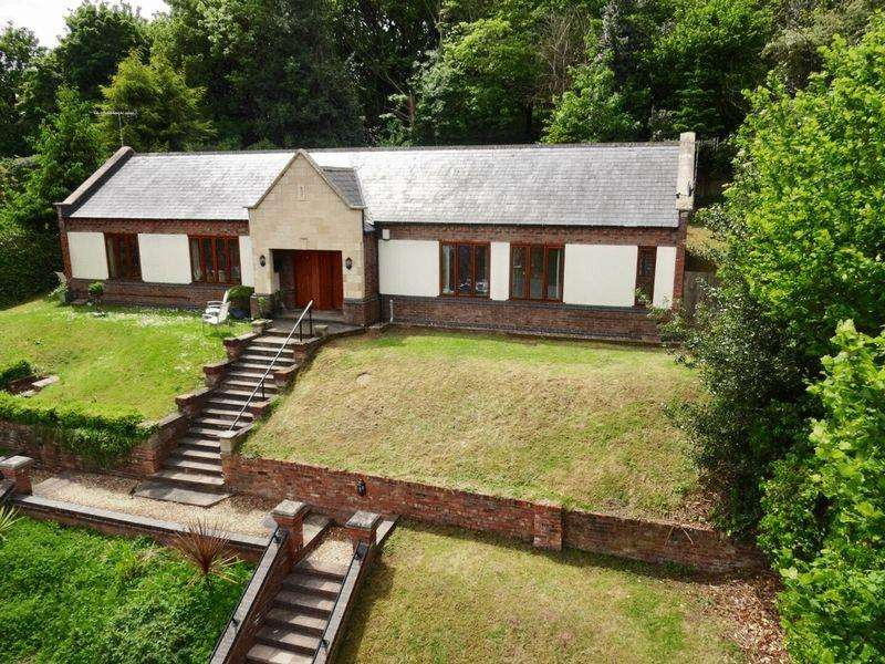 2 Bedrooms Semi Detached Bungalow for rent in The Ice House, High Street, Bewdley, DY12 2DJ
