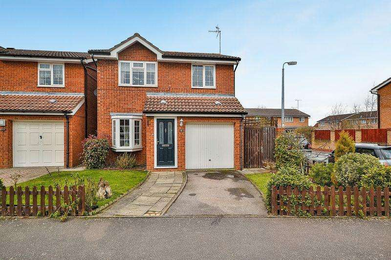 3 Bedrooms Detached House for sale in Marley Fields, Leighton Buzzard