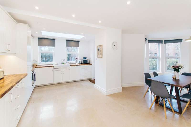 5 Bedrooms Semi Detached House for sale in Calais Street, London, SE5 9LP