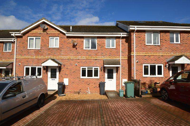 3 Bedrooms Terraced House for sale in East Cowes, PO32 6FJ