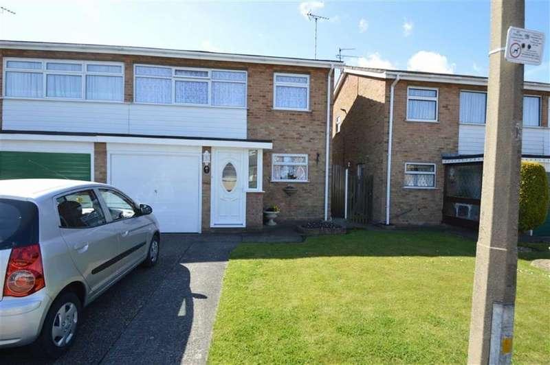 3 Bedrooms Semi Detached House for rent in Rutland Gardens, Rochford, Essex