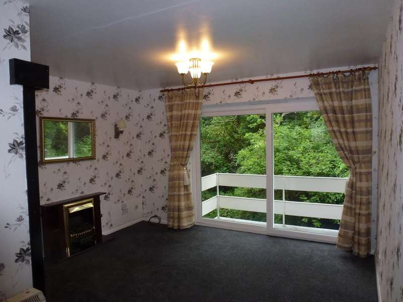 1 Bedroom Ground Flat for sale in Church Avenue, Stourport-on-Severn