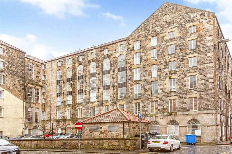 2 Bedrooms Flat for sale in 16/6 Chapel Lane, Edinburgh, EH6