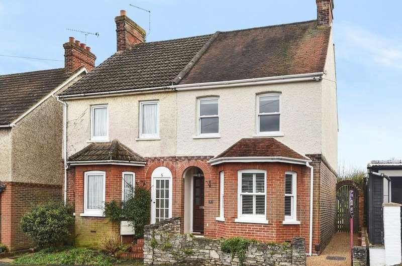 3 Bedrooms Semi Detached House for sale in Elm Grove, Farnham