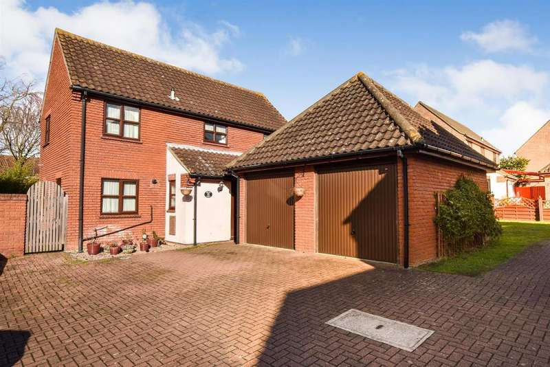 4 Bedrooms Detached House for sale in Bulbecks Walk, South Woodham Ferrers, Chelmsford