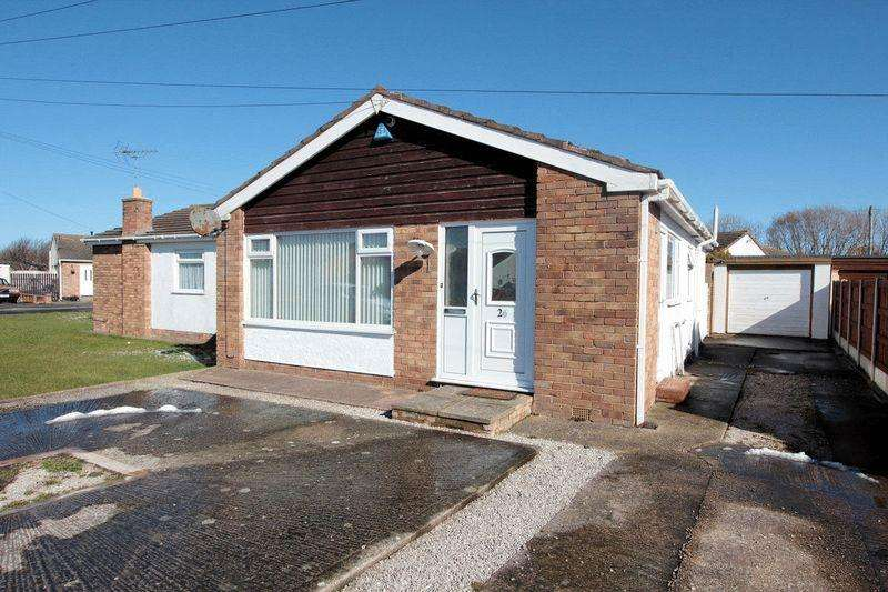 2 Bedrooms Semi Detached House for sale in Llys Madoc, Towyn