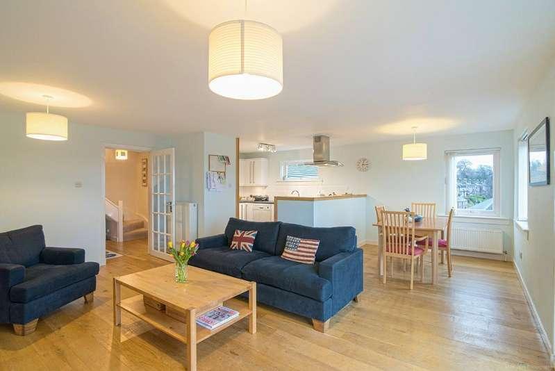 3 Bedrooms Maisonette Flat for sale in Coneyhill Road, Bridge of Allan, Stirling, FK9 4EL