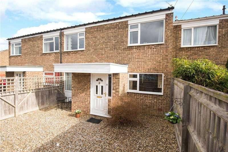 3 Bedrooms Terraced House for sale in Hampden Road, Stoke Mandeville, Aylesbury, Buckinghamshire