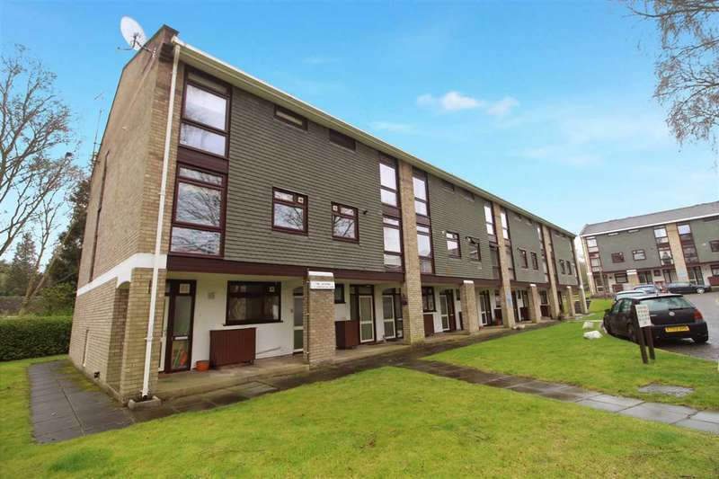 2 Bedrooms Apartment Flat for sale in Sproughton Court, Sproughton