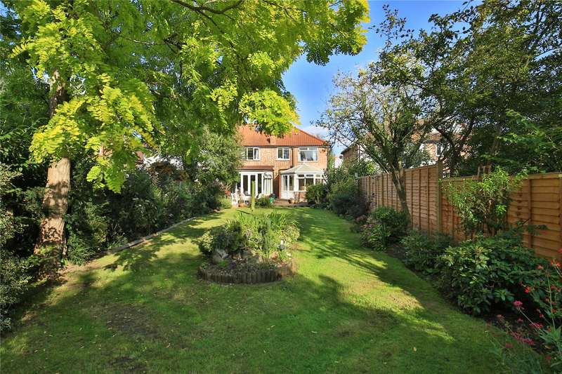5 Bedrooms Semi Detached House for sale in Summer Avenue, East Molesey, Surrey, KT8
