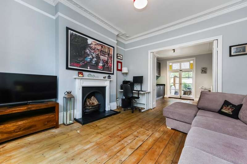 2 Bedrooms Flat for sale in Kennington Oval, London SE11