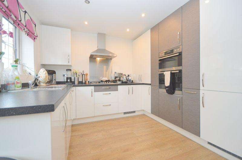 3 Bedrooms Semi Detached House for sale in St Aidens Drive, Widnes