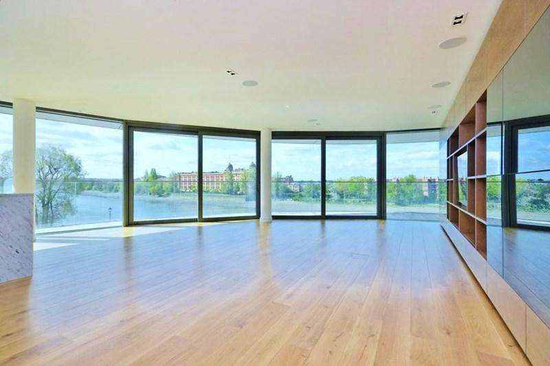 3 Bedrooms Apartment Flat for sale in Goldhurst House, Fulham Reach, London