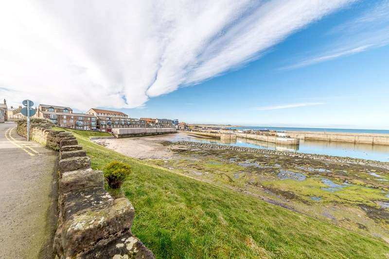 3 Bedrooms Terraced House for sale in The Plaice, Harbour Road, Seahouses, Northumberland