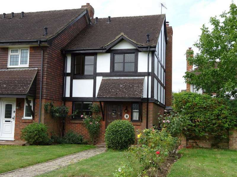 3 Bedrooms Detached House for rent in BLETCHINGLEY