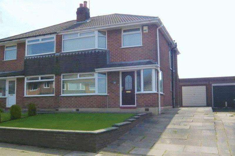 3 Bedrooms Semi Detached House for sale in Craiglands, Rochdale