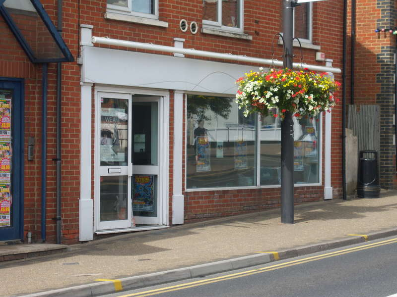Shop Commercial for sale in UNIT 3, 164-170 HIGH STREET,CROWTHORNE,RG45 7AT, Crowthorne
