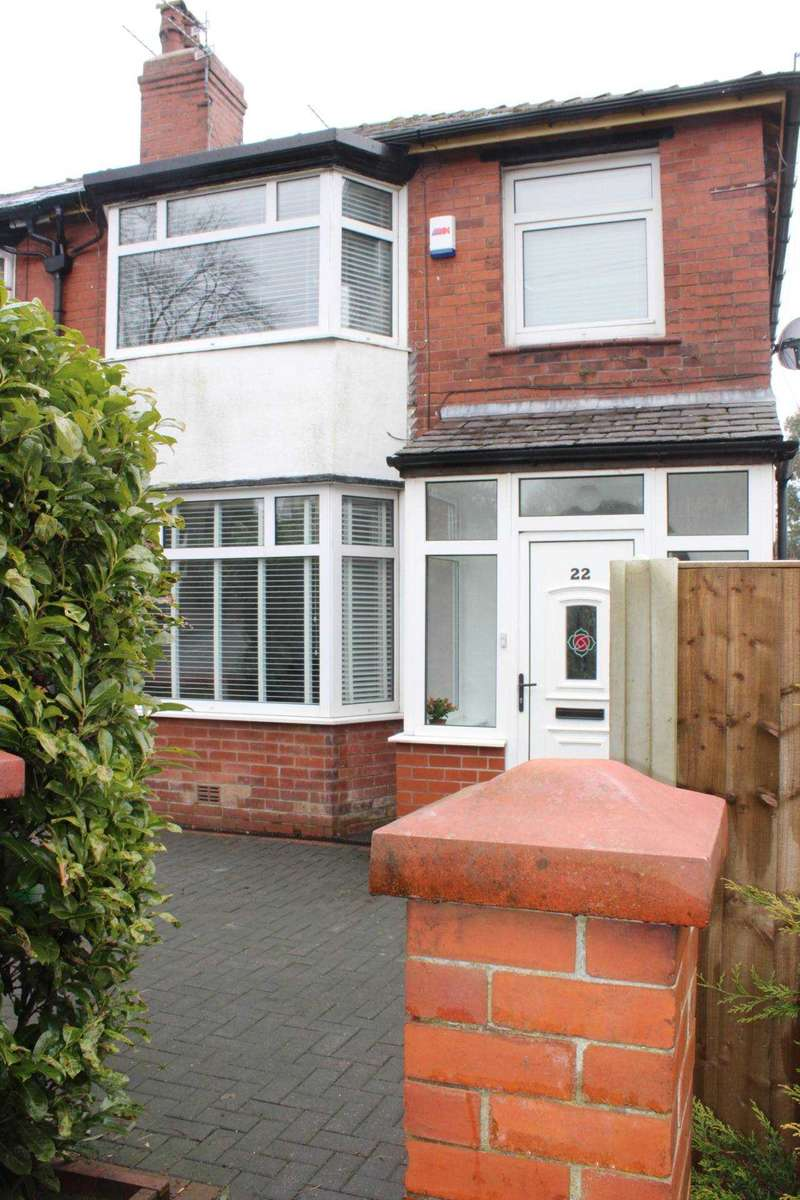 3 Bedrooms Semi Detached House for sale in Ivy Bank Road, Sharples