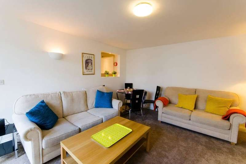 2 Bedrooms Semi Detached House for rent in Holiday let, Queen Victoria Mews, ST LEONARDS ON SEA, TN38