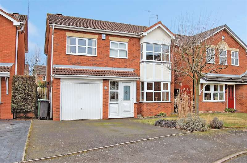 4 Bedrooms Detached House for sale in Clearwell Gardens, Dudley, DY1 2GD