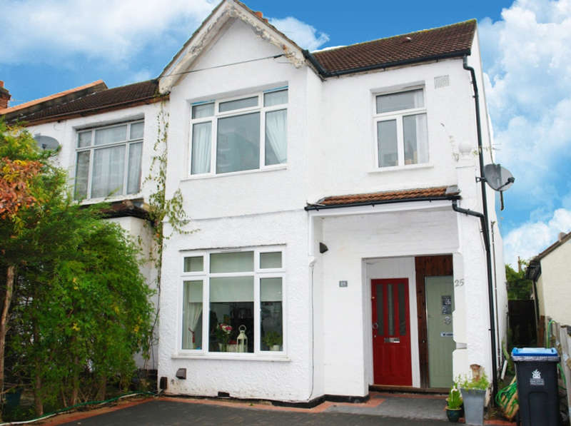 2 Bedrooms Flat for sale in Tankerton Road, Surbiton, Surrey
