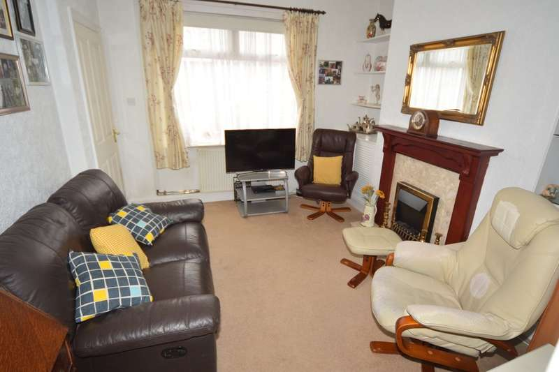 2 Bedrooms Terraced House for sale in Kitchener Street, Walney, Cumbria LA14 3QW