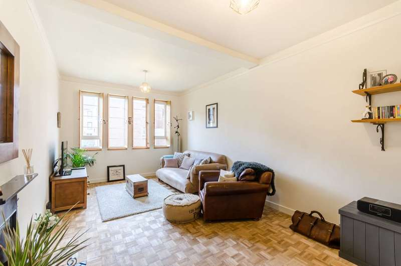 1 Bedroom Flat for sale in Queens Drive, Finsbury Park, N4