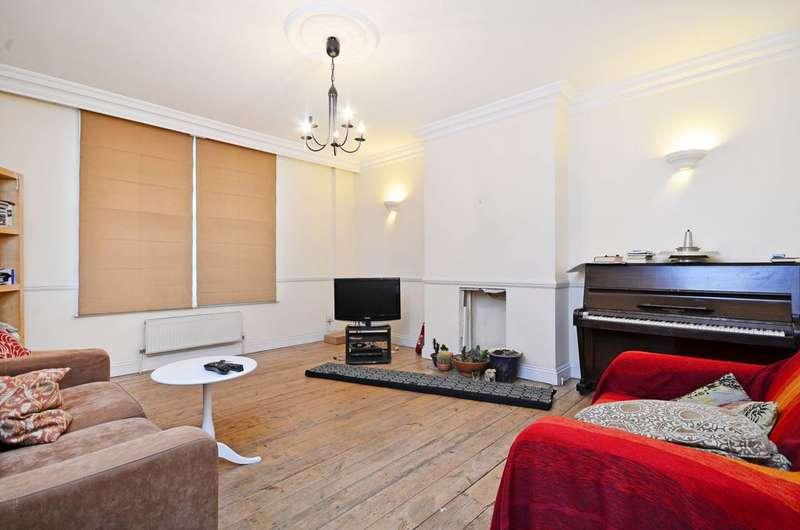 4 Bedrooms Maisonette Flat for rent in Albion Road, Stoke Newington, N16