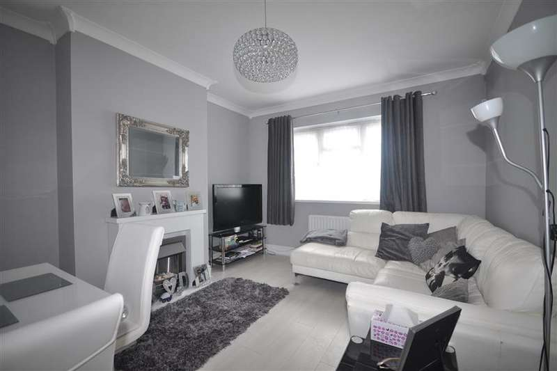 2 Bedrooms Ground Flat for sale in Timbercroft Lane, London
