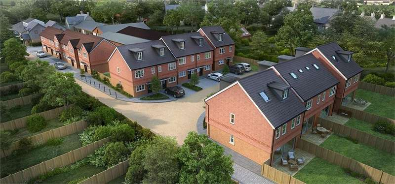 4 Bedrooms Town House for sale in Western Road, Haywards Heath, West Sussex