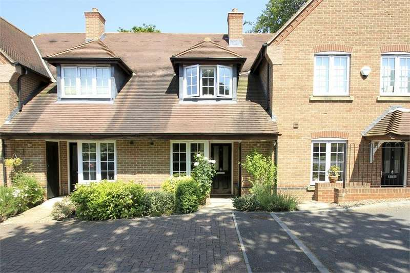 2 Bedrooms Terraced House for sale in Kyngeshene Gardens, Guildford, Surrey