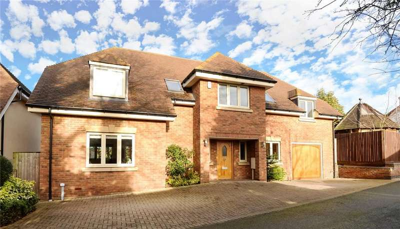 4 Bedrooms Detached House for rent in Jesslyn Close, Church Way, Weston Favell Village, Northampton, NN3