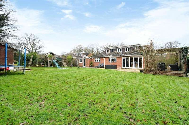 5 Bedrooms Detached House for sale in Beech Lane, Normandy, Guildford, Surrey