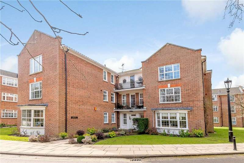 2 Bedrooms Flat for sale in Whitelock House, Phyllis Court Drive, Henley-on-Thames, RG9