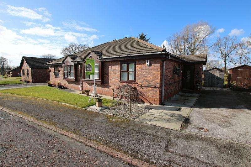 2 Bedrooms Semi Detached Bungalow for sale in Crownlee, Penwortham
